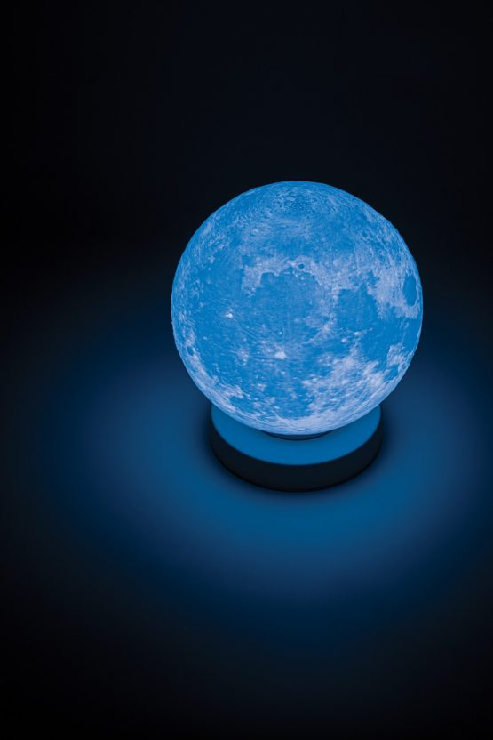 Momax IL2S Moon IoT 智能月球燈